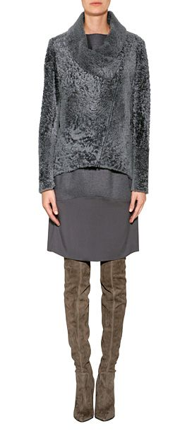 An ultra luxe choice for chilly days, Brunello Cucinelli's sheepskin jacket features a contemporary zip closure and high-low hemline #Stylebop 6566 евро -284600 руб