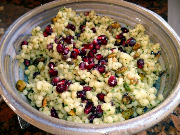 Israeli Couscous Salad with Pomegranate Seeds, Pistachios, and Hummus ...