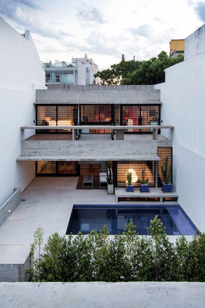 2 Casas CONESA / María Victoria Besonías + Luciano Kruk