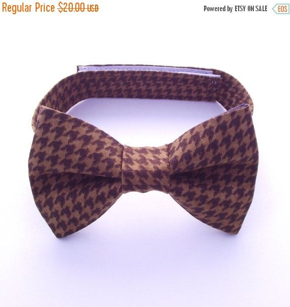 Boy's Brown Bow Tie, Brown Houndstooth, Toddler Bow Tie, Brown Baby Bow Tie, Ring Bearer, Fall, Autumn, Espresso, Earth, Rust