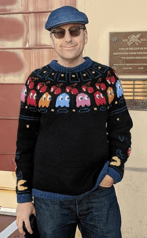Free Knitting Pattern for Pac-Man Sweater - Icelandic style pullover featuring Pac Man motifs designed by Doctor Popular.