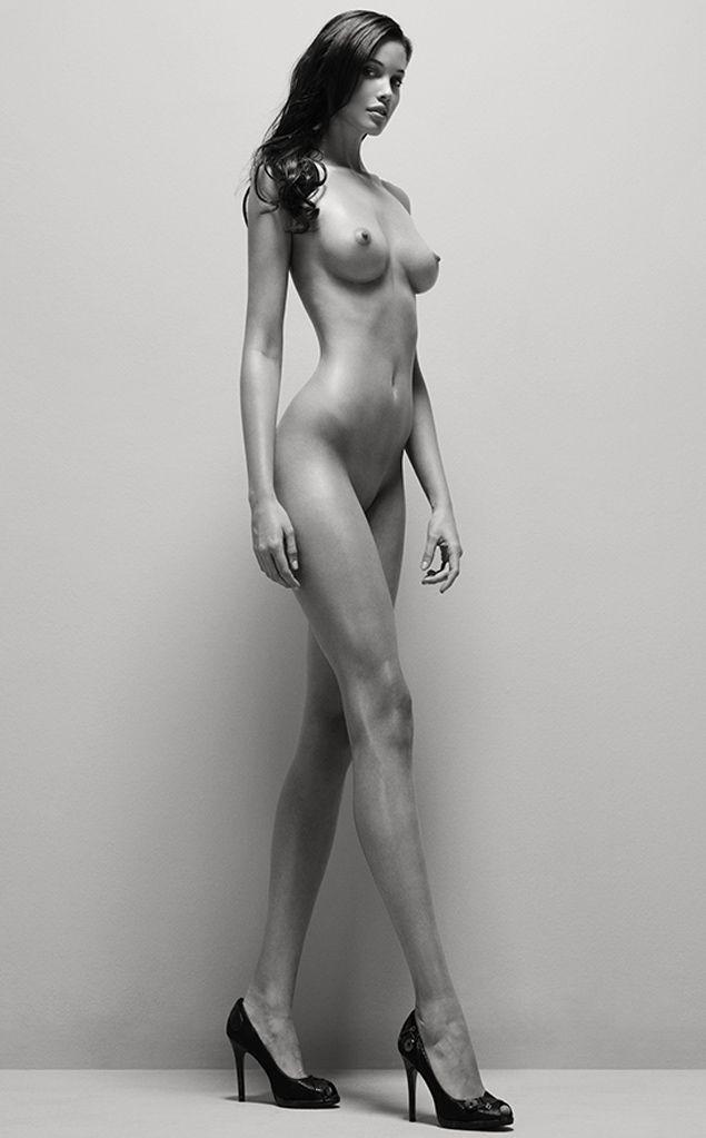 long leg big tit older bitch
