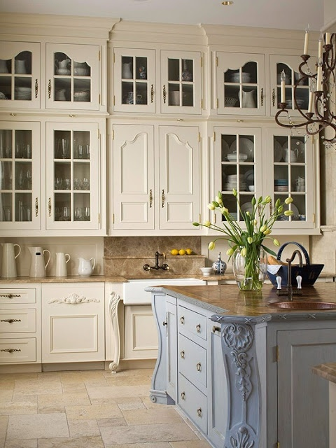 Live the difference in color in the island and the cabinets