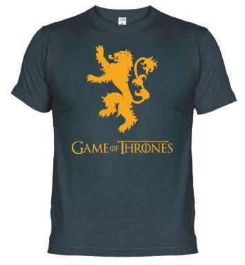 Un Lannister siempre paga sus deudas. Demuestra que vienes de la Roca Casterly y dibuja un signo de peso sobre cada uno que te mire. Ábrete paso con tu poder, después de todo, siempre puedes escuchar rugir a un Lannister.