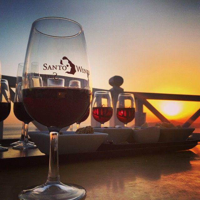 #Sunset and #wine.. That's #Santorini! Photo credits: @kathleen_loftus