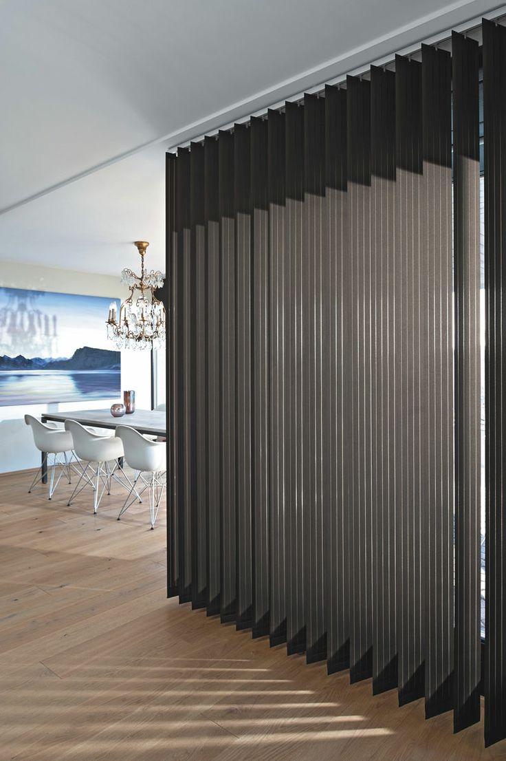 Wohnidee: Lamellenvorhang als Raumteiler