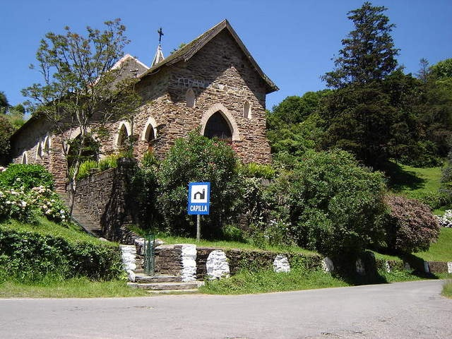 esta es una Iglesia de 1918 de villa Nougués, Esta Villa està situada a 45 km de San Miguel de Tucumán, capital de la provincia, lindante Con El cerro San Javier