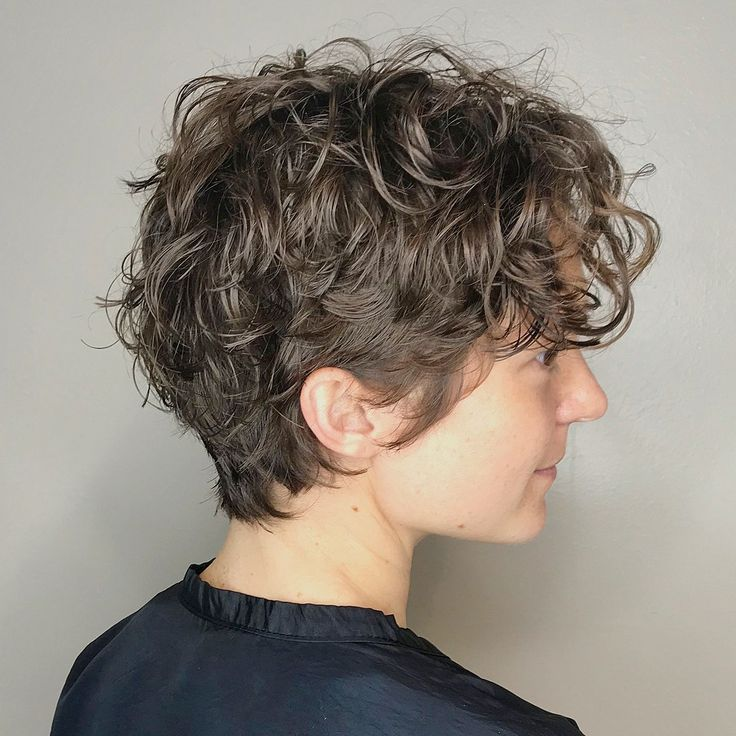 Casual Scrunched Hairstyle for Short Curly Hair
