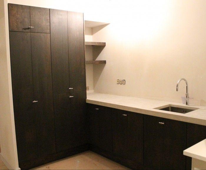 25 beste idee n over keuken bijkeuken kasten op pinterest pantry ontwerp keuken bijkeuken - Idee deco keuken wit ...