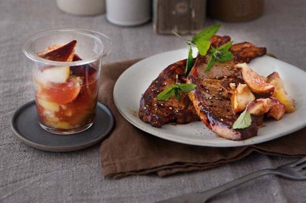 Lammkoteletts mit Birnen-Chutney