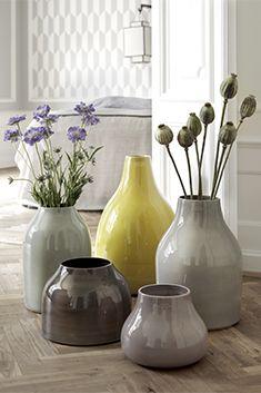 Botanica gulvvaser - 5 forskellige farver fra Kahler Design.