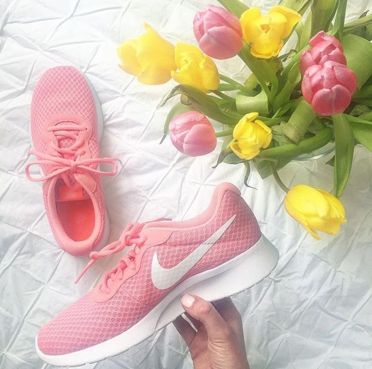 Click to shop these sneakers!  nike, women, sneakers, fashion, style, blog, blogger, pink, shoes, tulips, spring