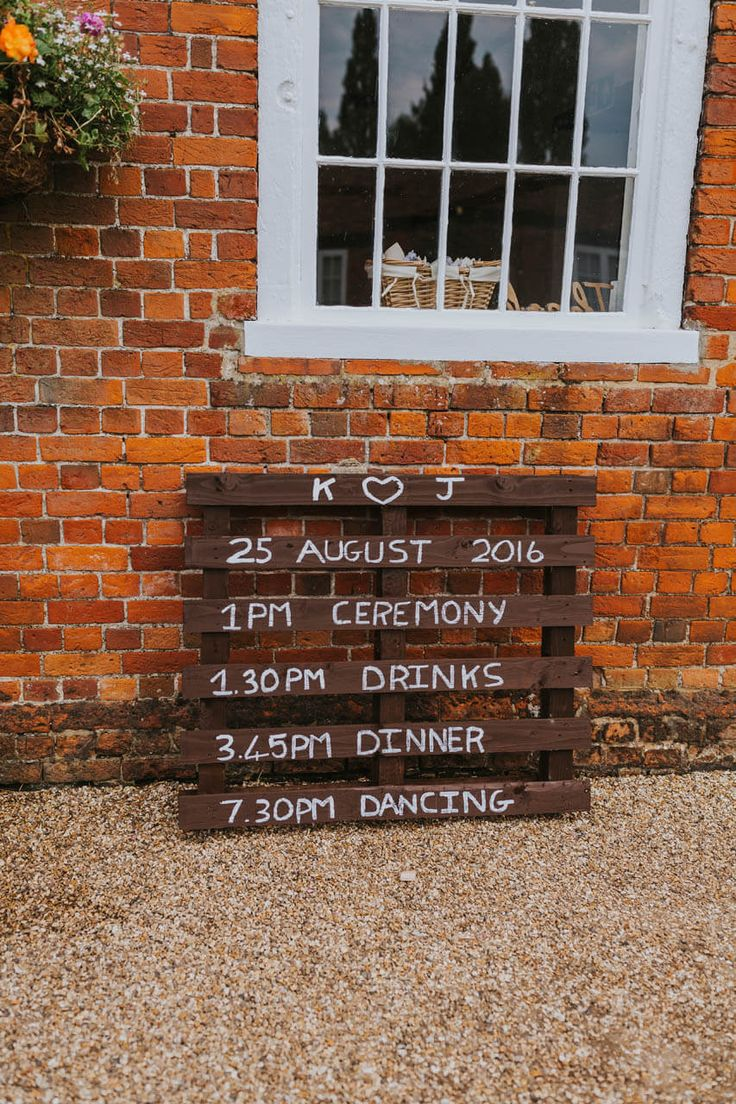 Want to make a sign for your wedding? Just paint a pallet! Simples. Photo by Benjamin Stuart Photography #weddingphotography #signage #weddingsign #pallet #weddingdecor #weddingschedule