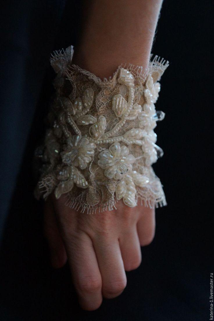 Beaded bracelet-mitten