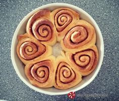Τα πιο αφράτα ρολάκια κανέλας (cinnamon rolls) #sintagespareas #cinnamonrolls #rolakiakanelas
