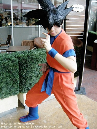 normally DBZ cosplayers just look retarded, the hair is hard to pull off, but this is pretty good. Goku