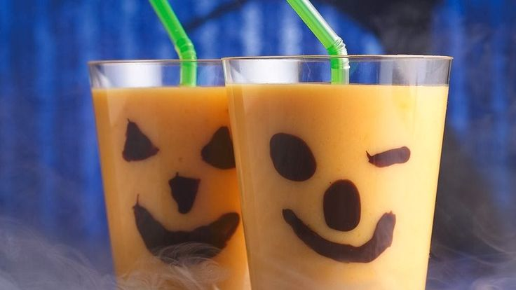 Halloweenowy koktajl dyniowy dla dzieci