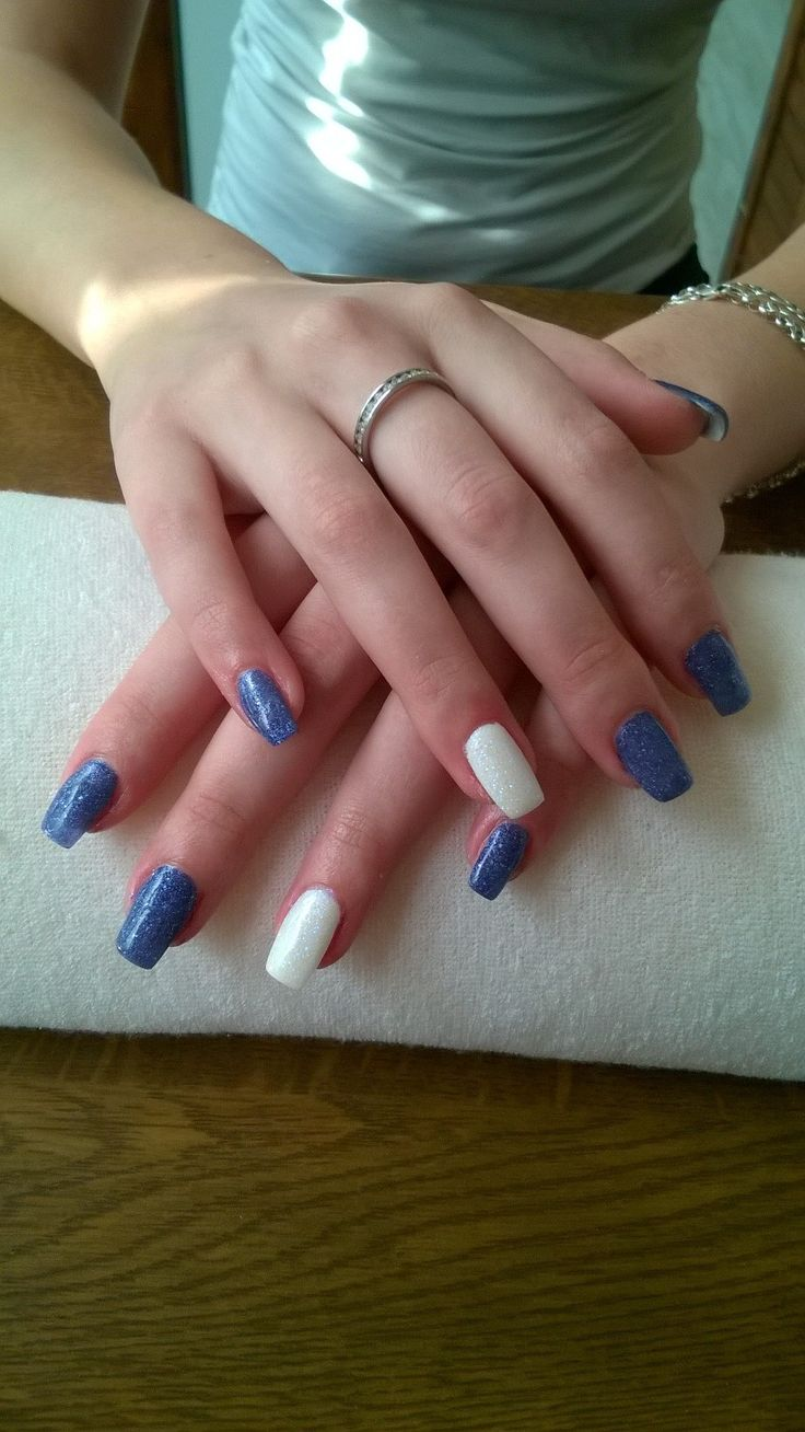 blue and white gel and white glitters