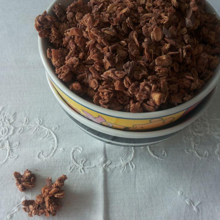 Tè verde e pasticcini: { Granola } - Granola al cioccolato e mandorle