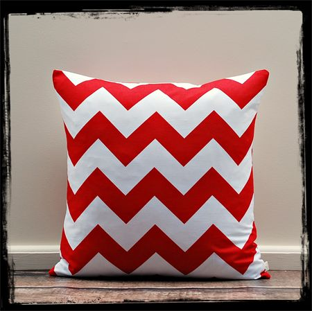 Cushion Cover, Pillow Cover, Throw Pillow - Red Chevron - 40x40cm
