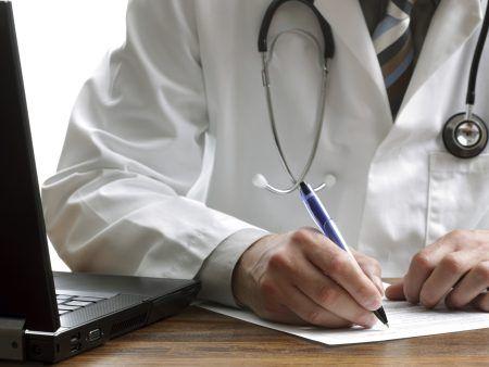 Cofen proíbe cumprimento de prescrição médica a distância http://www.minutoenfermagem.com.br/postagens/2014/06/04/cofen-proibe-cumprimento-de-prescricao-medica-a-distancia/ *** Sigam @GoUpMkt