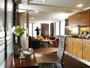 Executive Lounge at the Limerick Strand Hotel