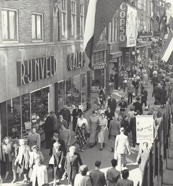 Kalverstraat Amsterdam (jaartal: 1950 tot 1960) - Foto's SERC
