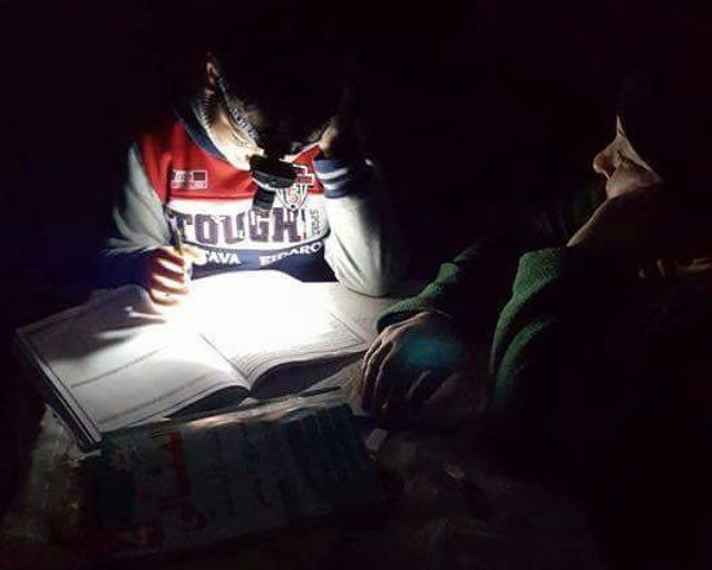 Stop ❗️This isn't ENT doctor❗️this is #Gaza student preparing for the exam... #GazaWithoutElectricity  #EndGazaSiege
