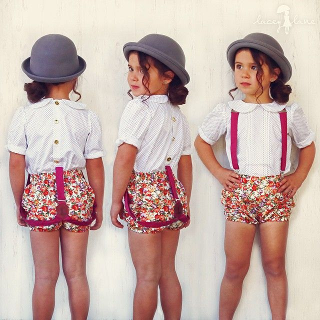 laceylaneinstaLoving the gold buttons down the back of the poppy blouse  #laceylane #poppyblouse #paisleypuckers #zarasuspenders #fashionkids #stylish_cubs #trendykiddies #vintagefashion