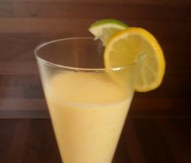 Rezept Mango-Lassi von freestyleküchenchefin - Rezept der Kategorie Getränke