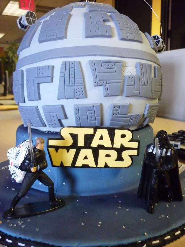 The Death Star Cake Will Have Fans Drooling Over it in Hunger #desserts