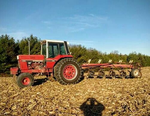 1086 Ih Plowing : Best images about tractors farming on pinterest