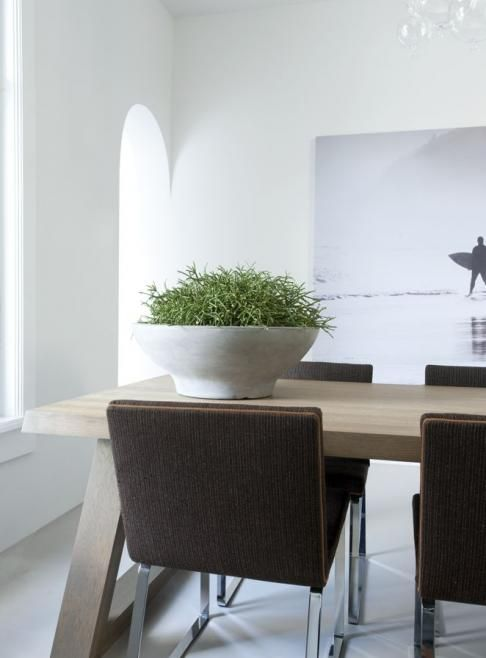 - rustic table modern chairs - Remy Meijer | Woonmagazine