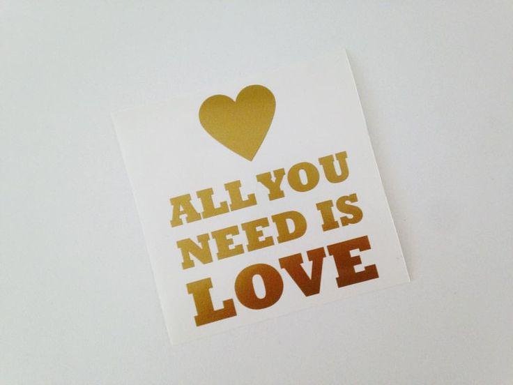 """5 Me gusta, 1 comentarios - Cosas Lindas Loop (@cosaslindasloop) en Instagram: """"{ VINILO PARA CELU } All you need is love 🎶#vinilo #clasicos #dorado #cosaslindasloop"""""""
