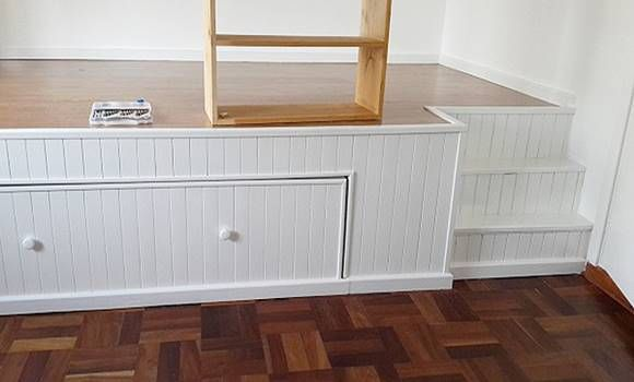 Zseniális! A félszobában csak egy ágy fért el. Nézd meg, milyen szuper dolgot találtak ki! (fotók)