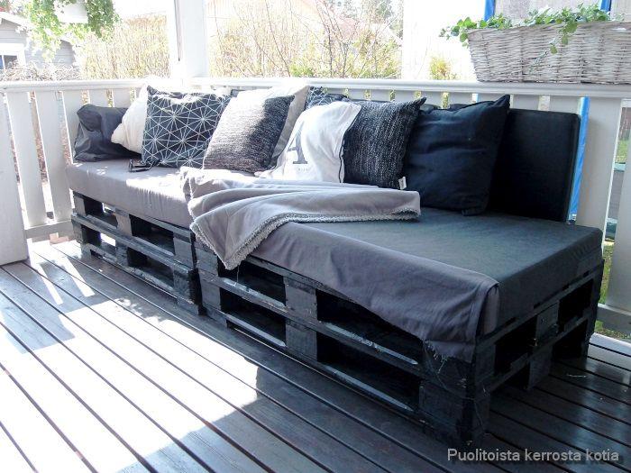 Puolitoista kerrosta kotia: Lavasohva DIY