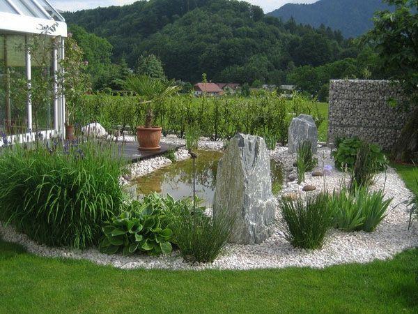 teich, grüne pflanzen und steine für eine schöne garten gestaltung, Garten und Bauten