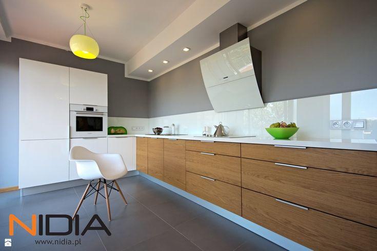 Wystrój wnętrz - Kuchnia - styl Minimalistyczny. Projekty i aranżacje…