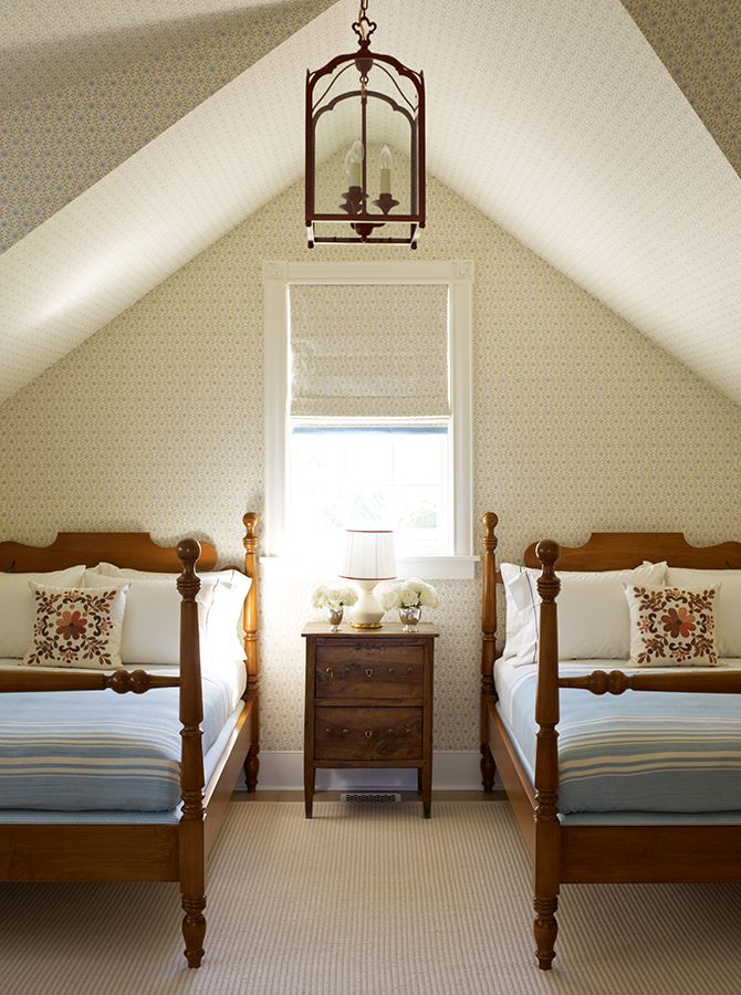 Cottage decor  Bedroom   Katie Ridder. Best 25  Twin beds ideas on Pinterest   Girls twin bedding  White