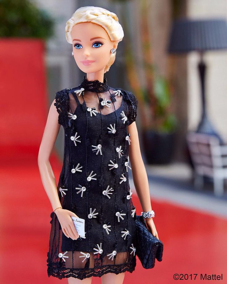 Tonight's look! What do you think of my red carpet style?  #barbie #barbiestyle