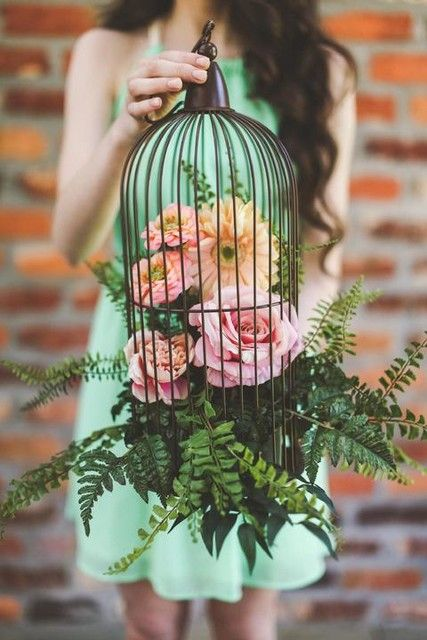 Bird Cage Ideas http://www.afloral.com/Wedding-Design-Ideas#opi2178038182