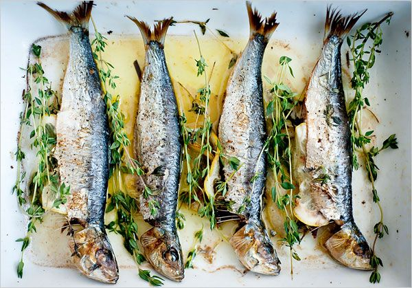 Broiled sardines with lemon + thyme.