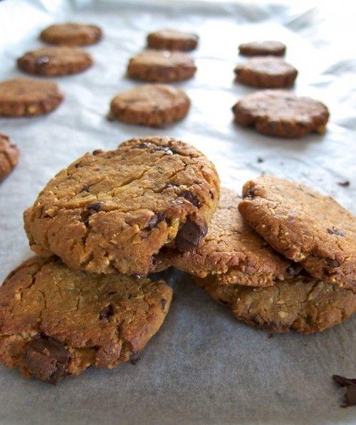 Cookies z cíceru a arašidového masla