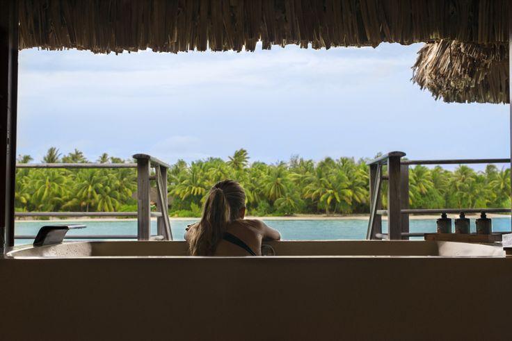 Four Seasons resort Bora Bora - overwater bungalow