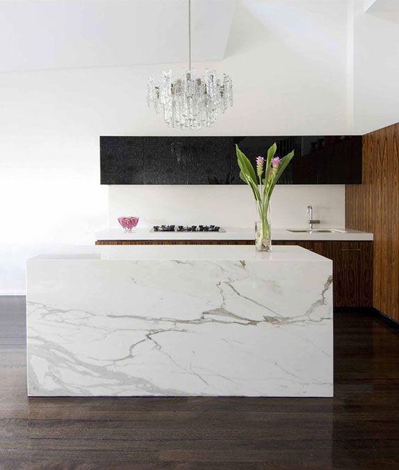 El mármol blanco vuelve a las cocinas más modernas