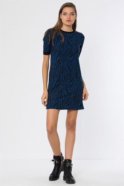 Desenli Yarım Kollu Elbise - Fotoğraf