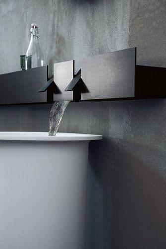 SEN, the black brushed aluminium taps