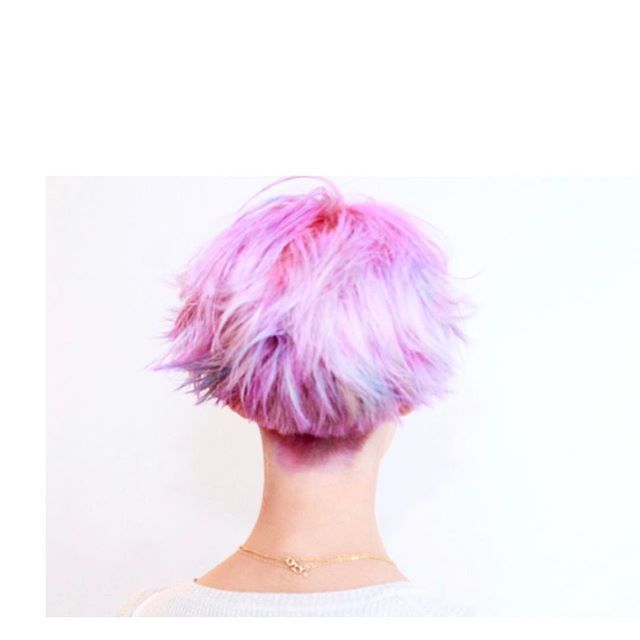 WEBSTA @ jooji99 - Instagramストーリーにアップしていたカラーの仕上がりね。_バックビュー_#haircolor#헤어스타그램#염색#헤어스타일#뷰스타그램 #헤어스타일#미용실#염색#ハイトーンカラー#ホワイトブリーチ#ブリーチ#ダブルカラー#manicpanic#hair#マニパニ#colorful#セクションカラー#インナーカラー#pastelcolor#セクションカラー#パステルカラー#pastel #photo