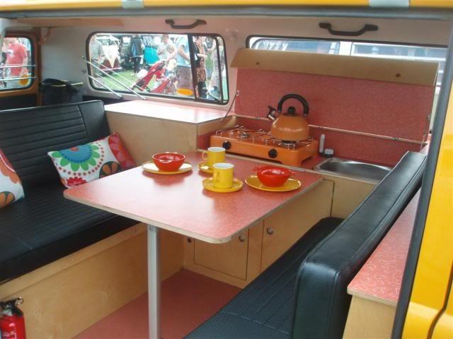 interiores de combis sobre ruedas bus camper volkswagen westfalia  volkswagen bus
