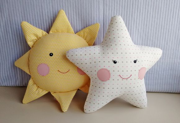 sun and star pillow pattern?  Almofada Sol e Estrela